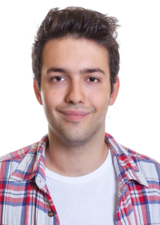 Retrato de um indivíduo latino-americano de sorriso fotos de stock royalty free