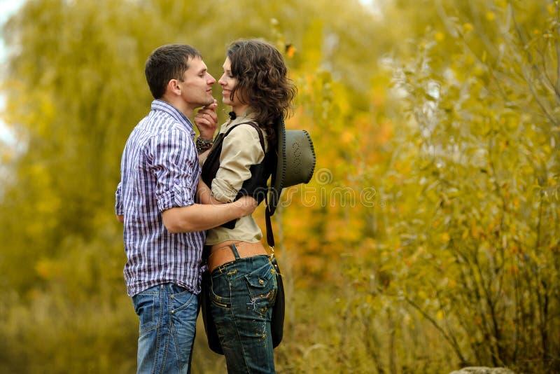 Retrato de um par no amor fotos de stock royalty free