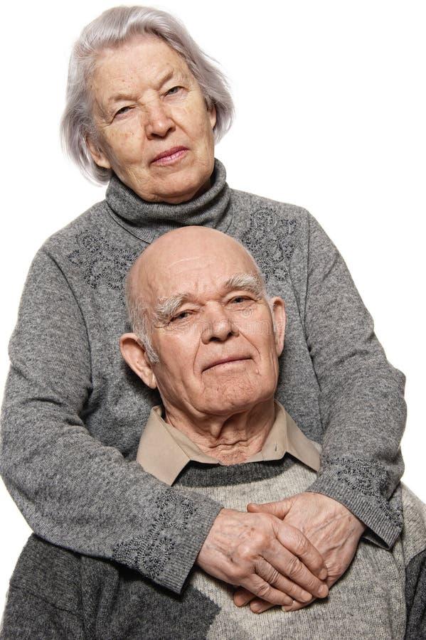 Retrato de um par sênior feliz imagens de stock
