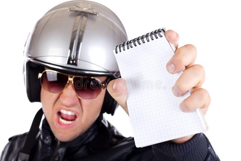 Retrato de um polícia irritado fotografia de stock royalty free