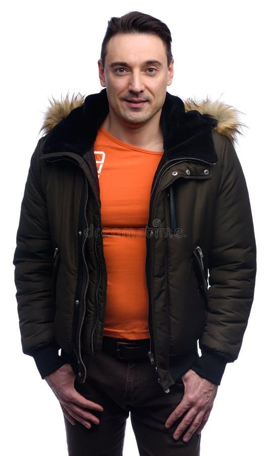 Retrato de um revestimento vestindo do homem considerável fotografia de stock