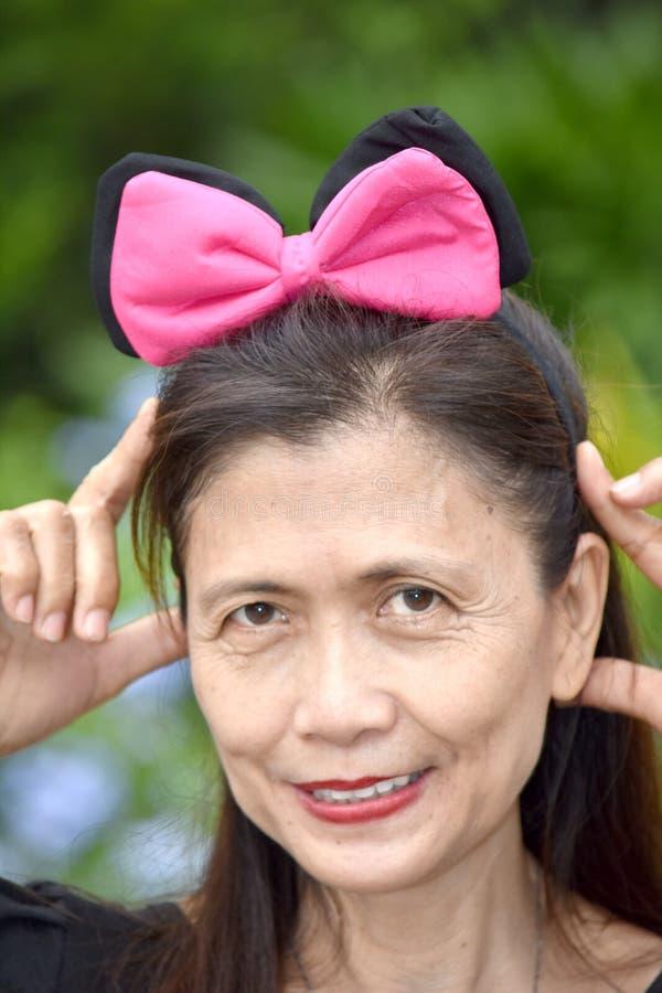 Retrato de um sênior fêmea mais idoso fotos de stock royalty free