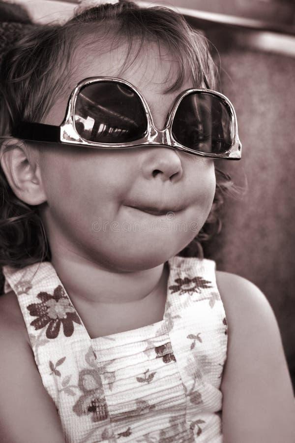 Retrato de uma criança parva fotos de stock royalty free