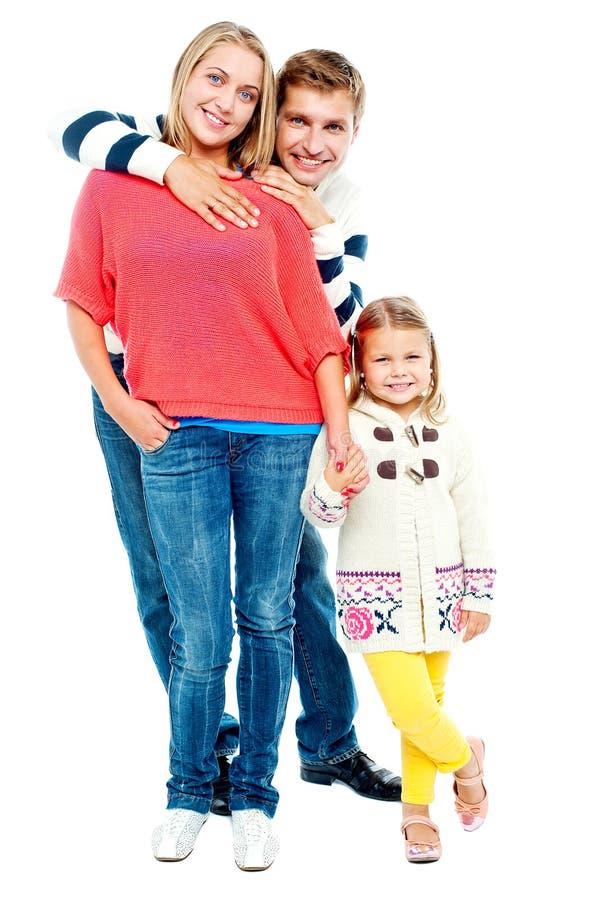 Retrato de uma família feliz nova fotografia de stock