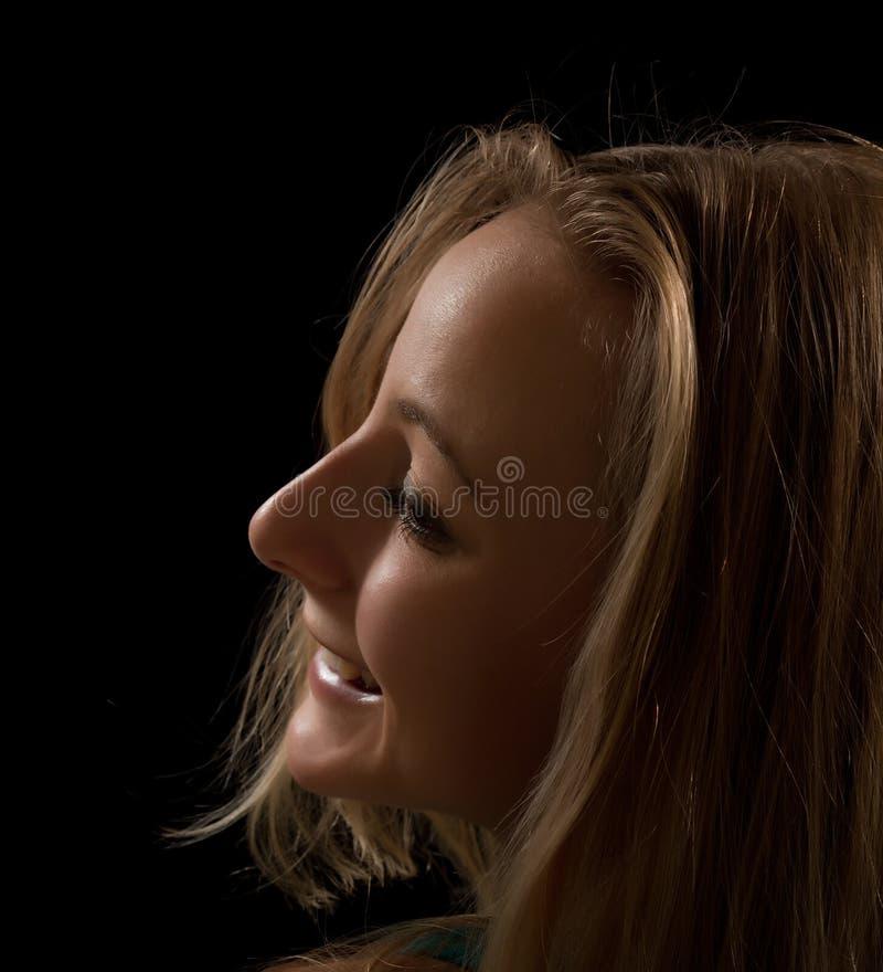Retrato de uma jovem mulher foto de stock