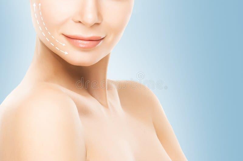 Retrato de uma jovem mulher com as setas em sua cara imagem de stock royalty free