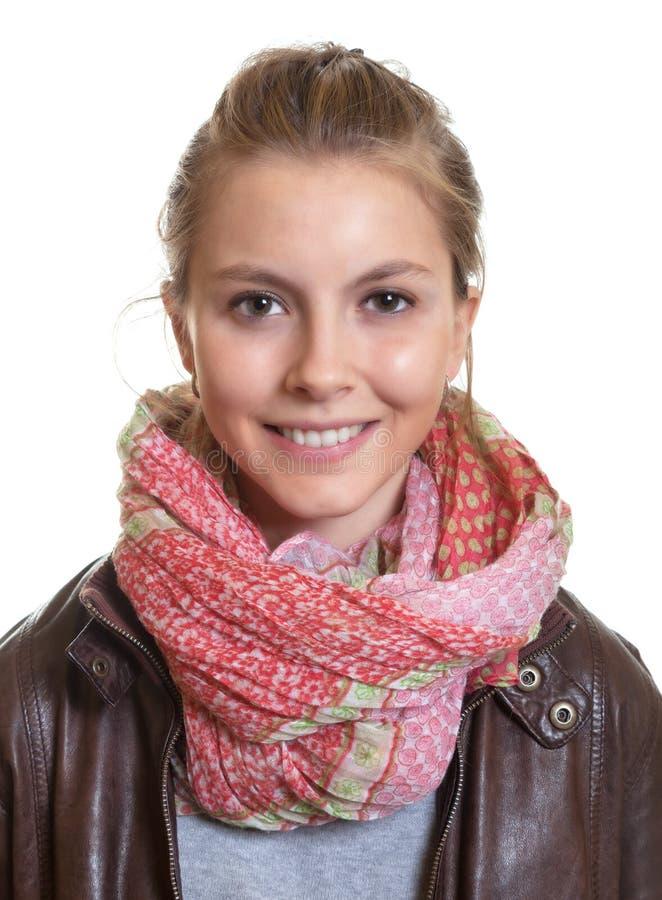 Retrato de uma jovem mulher com cabelo louro foto de stock royalty free
