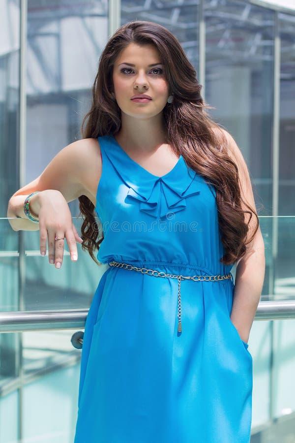 Retrato de uma menina bonita nova imagem de stock royalty free