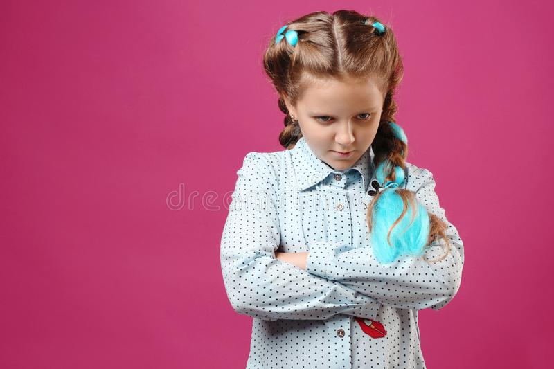Retrato de uma menina emocional fotos de stock