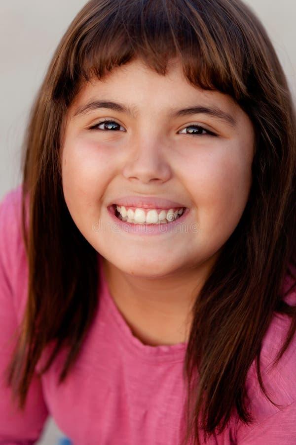 Retrato de uma menina moreno do preteen foto de stock royalty free