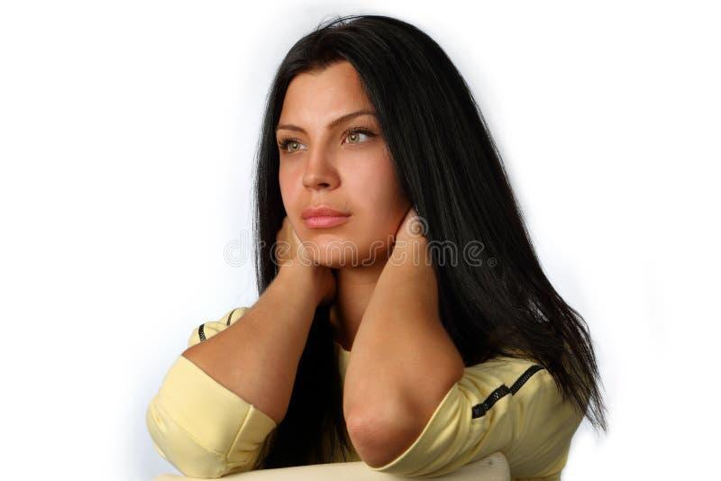 Retrato de uma menina moreno nova, bonita foto de stock royalty free