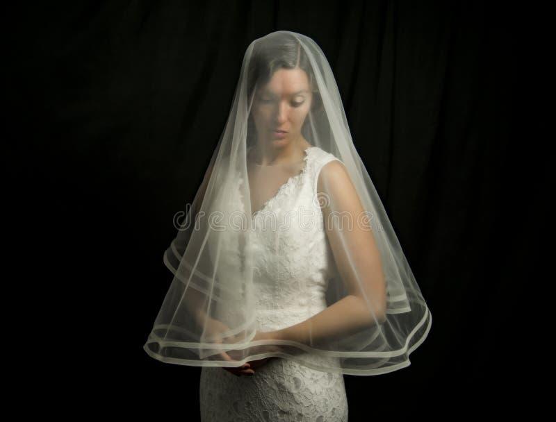 Retrato de uma menina na imagem da noiva fotografia de stock