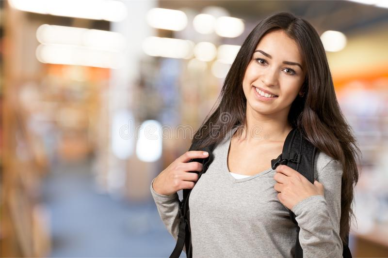 Retrato de uma menina nova bonito do estudante, foto de stock royalty free
