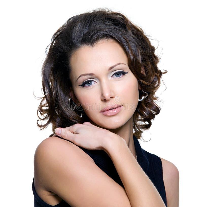 Retrato de uma mulher adulta bonita fotografia de stock