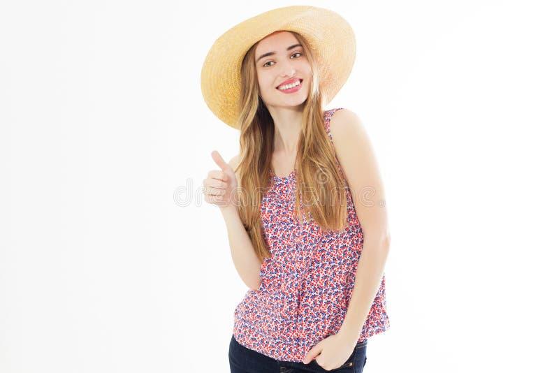 Retrato de uma mulher alegre feliz da menina na exibição do chapéu do verão como o gesto isolada sobre o fundo branco fotografia de stock
