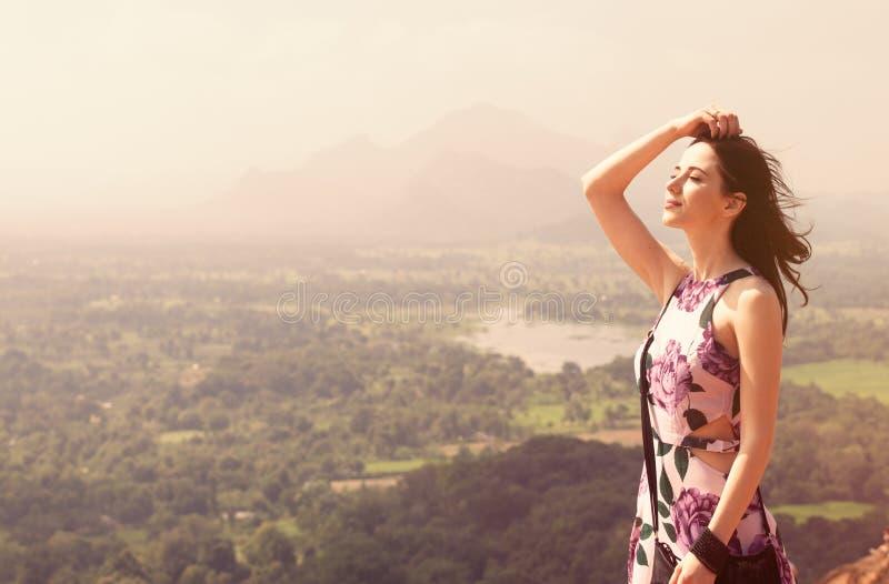 Retrato de uma mulher bonita do redhead imagens de stock royalty free