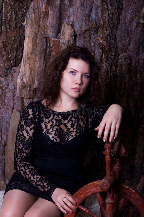Retrato de uma mulher bonita nova fotos de stock royalty free