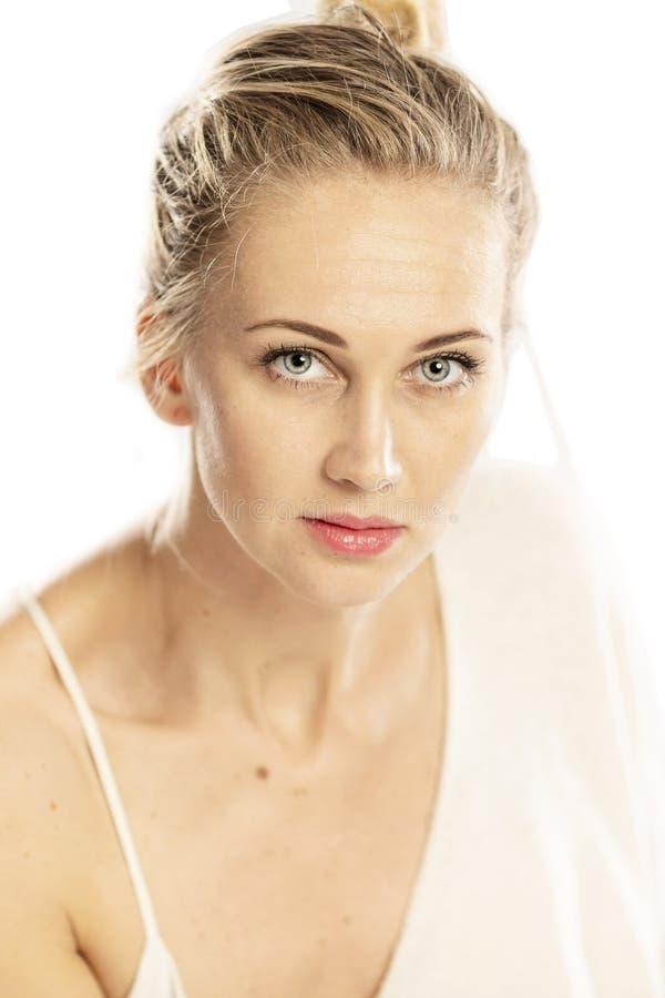 Retrato de uma mulher bonita nova, close-up imagens de stock