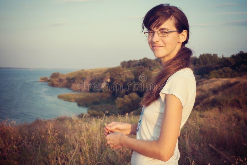 Retrato de uma mulher confiável imagens de stock royalty free