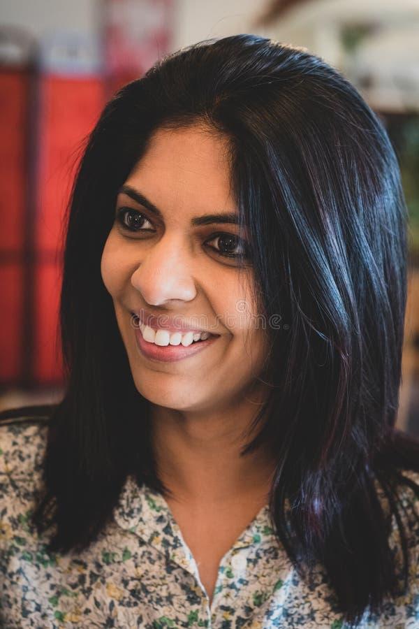 Retrato de uma mulher indiana fotos de stock
