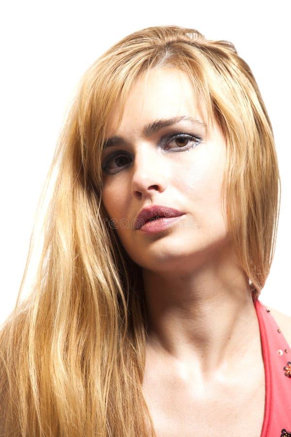 Retrato de uma mulher loura bonita foto de stock royalty free