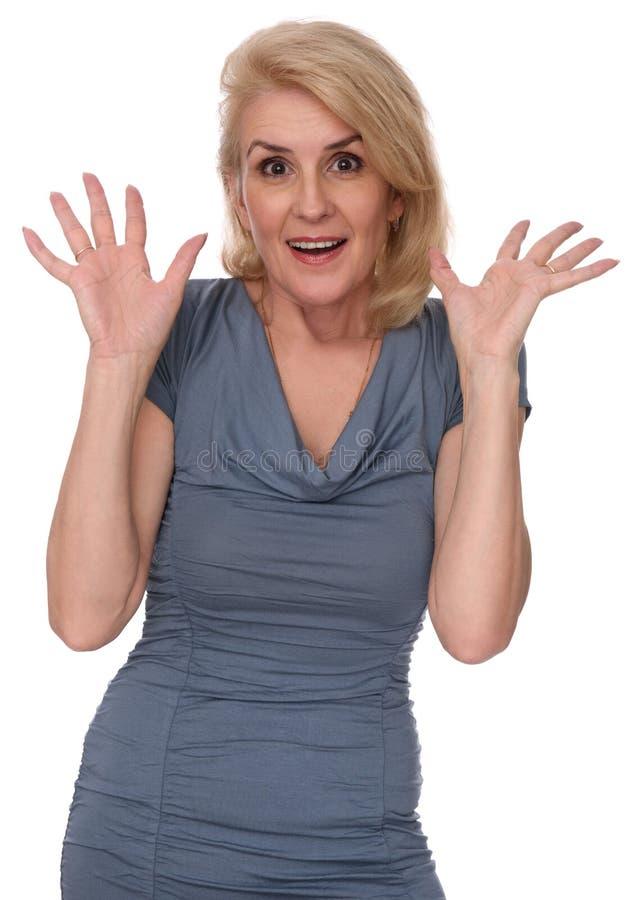 Retrato de uma mulher mais idosa surpreendida imagem de stock