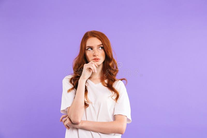 Retrato de uma posição pensativa da moça imagem de stock royalty free