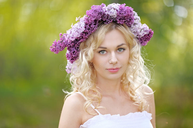 Retrato de uma rapariga bonita imagens de stock