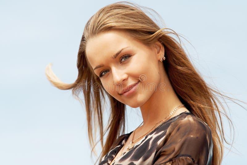 Retrato de uma senhora bonita foto de stock royalty free