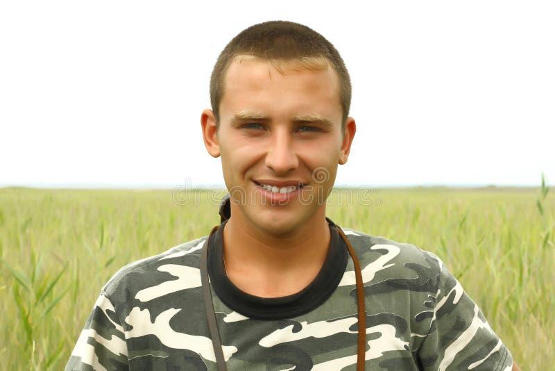 Retrato de umas forças armadas ucranianas novas imagem de stock