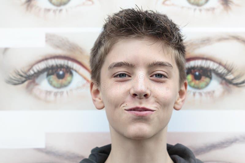 Retrato de un adolescente fotos de archivo
