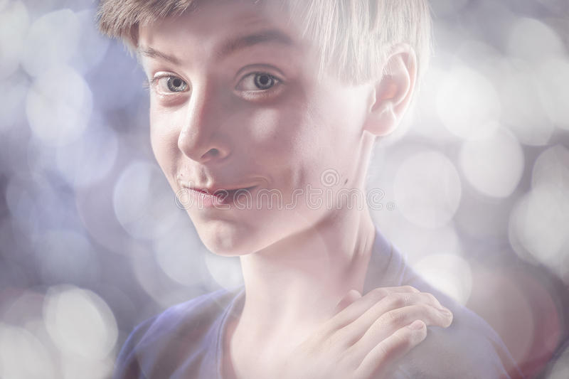 Retrato de un adolescente afortunado imágenes de archivo libres de regalías