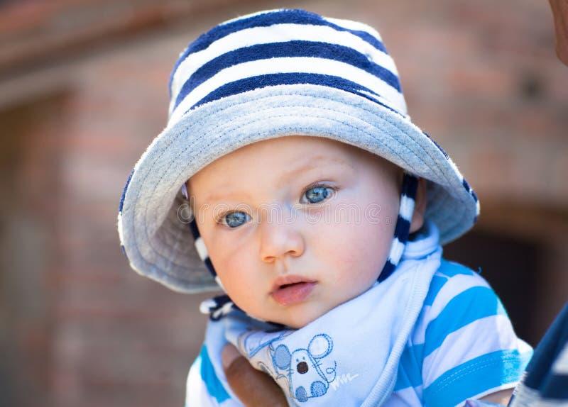Download Retrato De Un Bebé Adorable Foto de archivo - Imagen de niñez, niño: 41914106