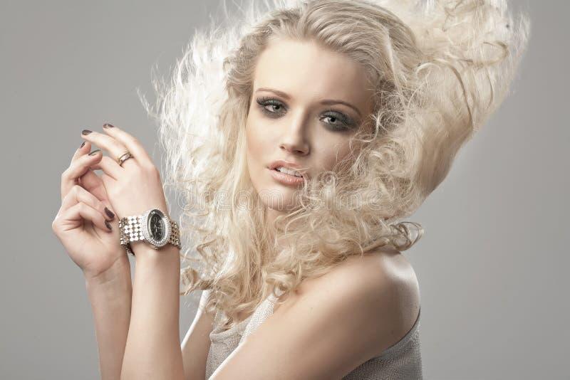 Retrato de un blondie lindo imágenes de archivo libres de regalías