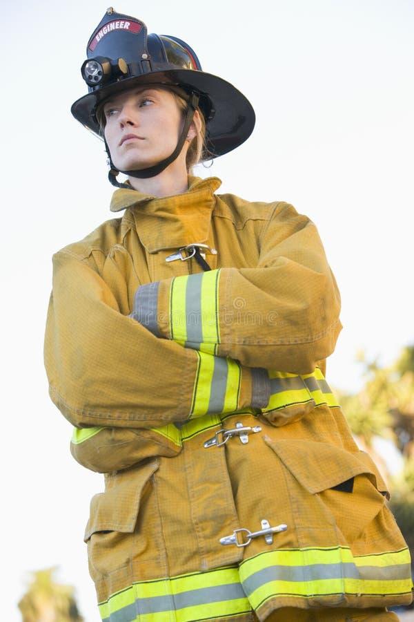 Retrato de un bombero de sexo femenino fotos de archivo libres de regalías
