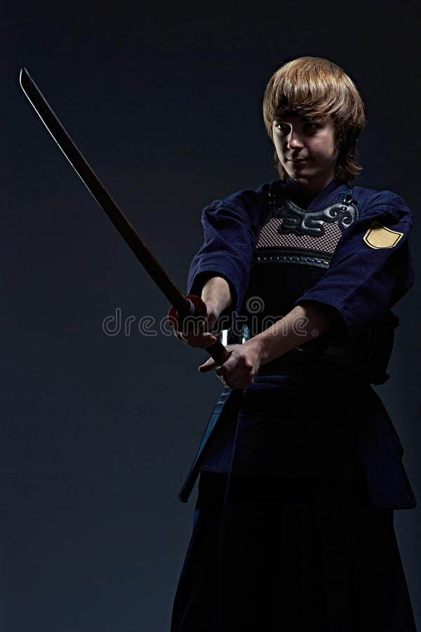 Retrato de un combatiente del kendo fotos de archivo