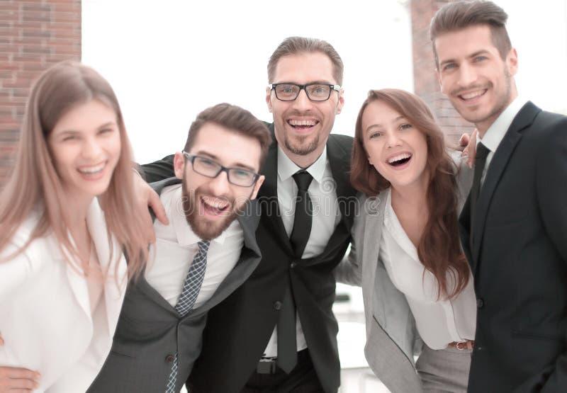 retrato de un equipo amistoso del negocio fotos de archivo