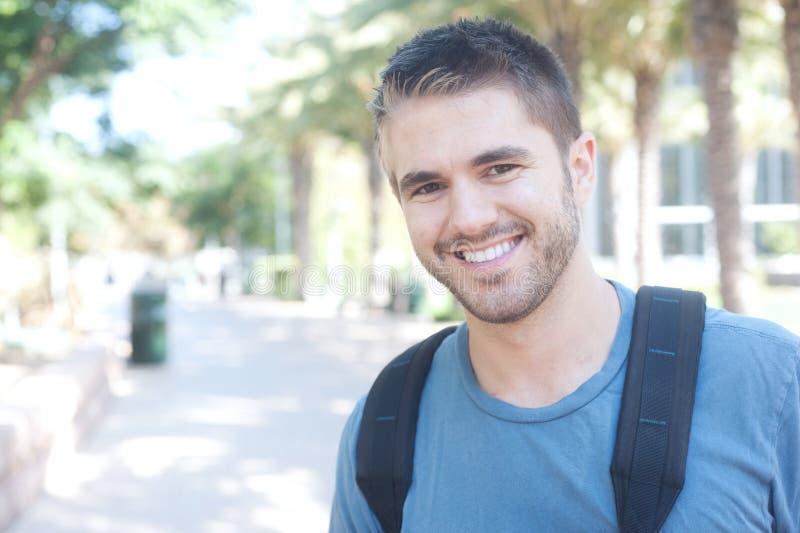 Retrato de un estudiante universitario imagenes de archivo