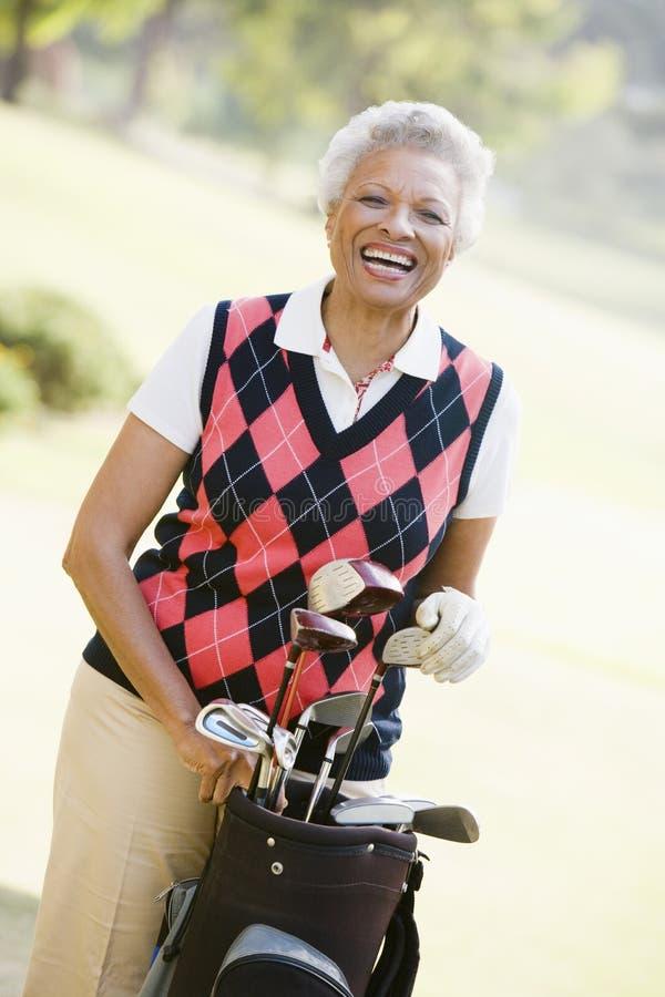 Retrato de un golfista femenino imagen de archivo libre de regalías