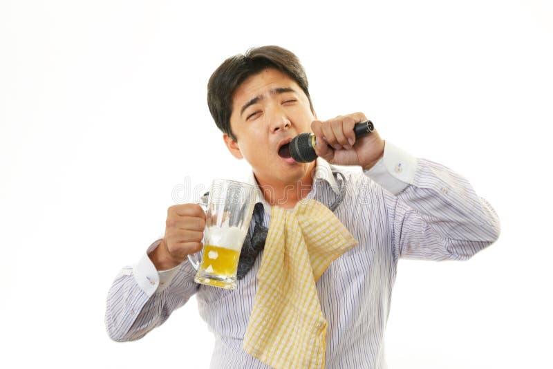 Retrato de un hombre borracho fotografía de archivo