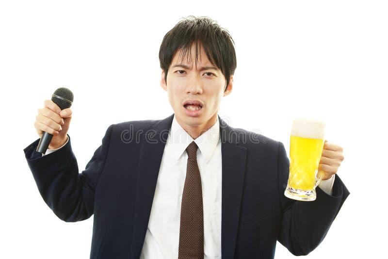 Retrato de un hombre borracho imagen de archivo libre de regalías