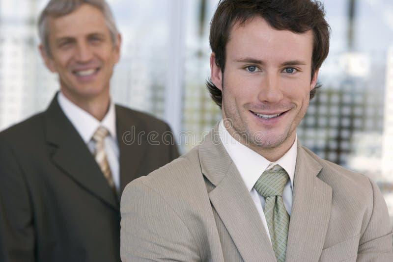 Retrato de un hombre de negocios joven imagen de archivo