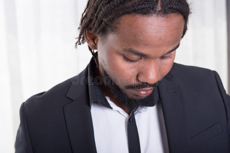 Retrato de un músico africano foto de archivo