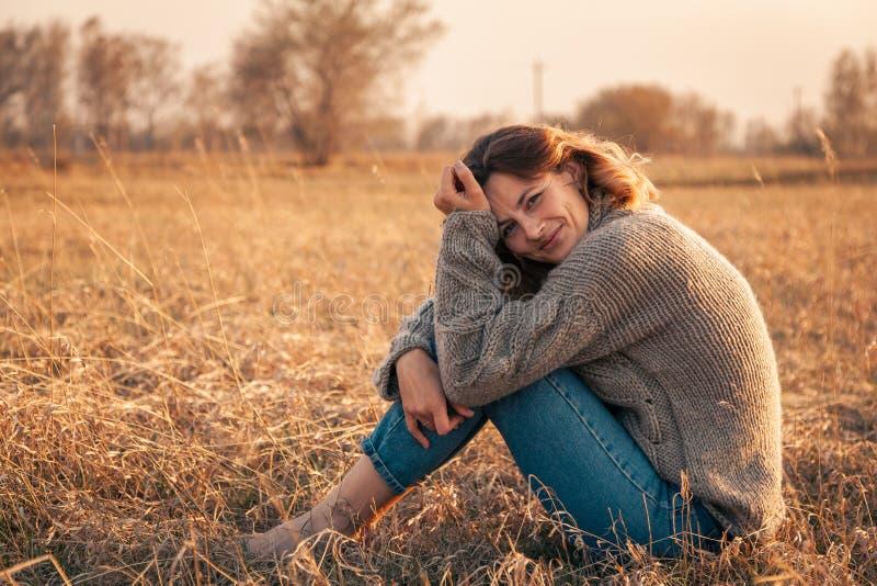 Retrato de un modelo joven hermoso fotos de archivo libres de regalías