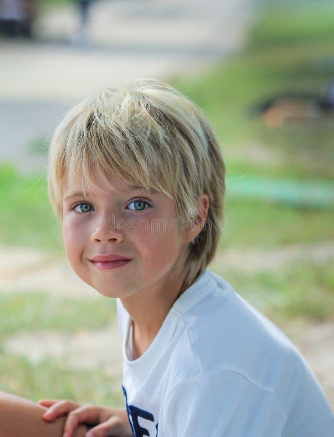 Retrato de un muchacho fotografía de archivo
