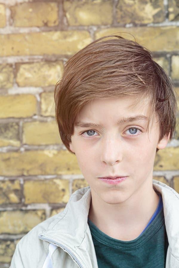 Retrato de un muchacho del adolescente fotografía de archivo libre de regalías