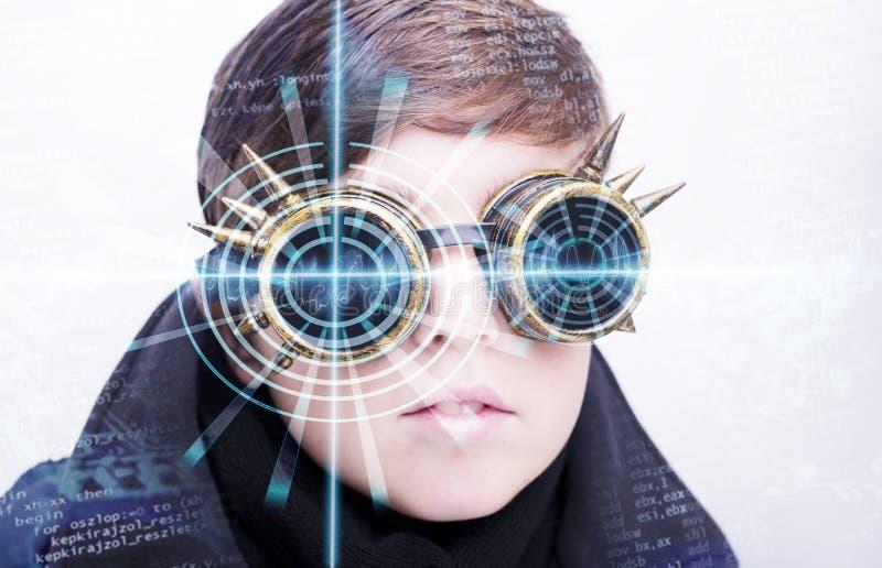 Retrato de un muchacho hermoso Ojo abstracto con el círculo digital Ciencia de la visión y concepto futuristas de la identificaci fotografía de archivo