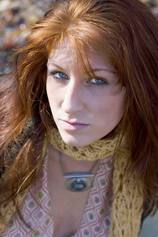 Retrato de un Redhead atractivo imagen de archivo libre de regalías