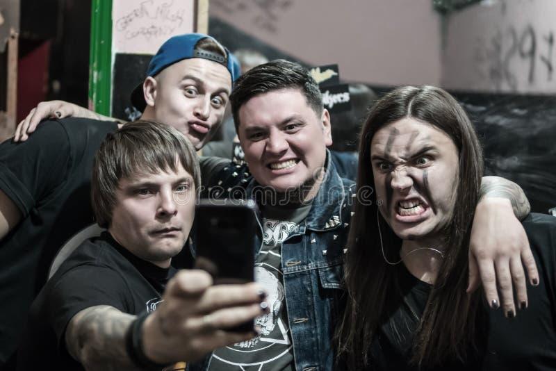 Retrato de una banda de rock musical fotografía de archivo libre de regalías
