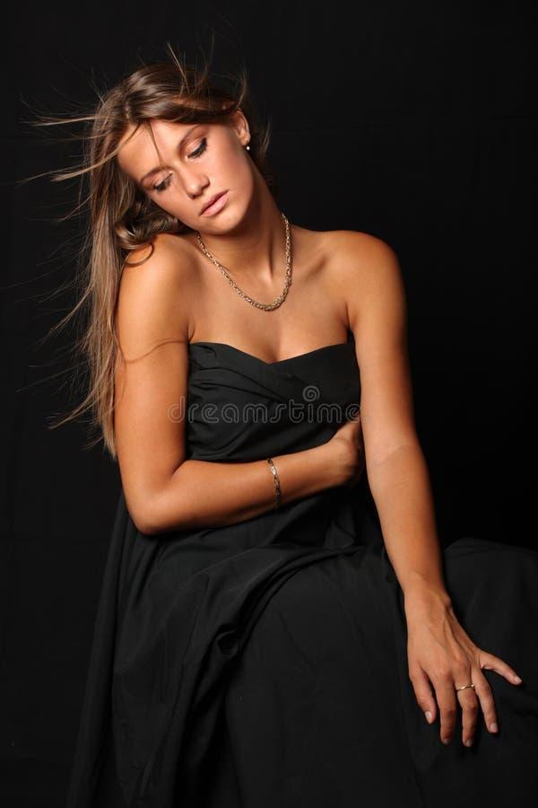 Retrato de una muchacha atractiva hermosa 1 foto de archivo